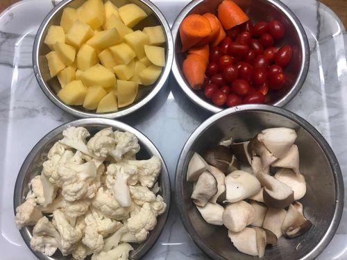 蔬菜類切塊備用