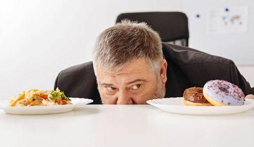 睡眠不足影響飲食