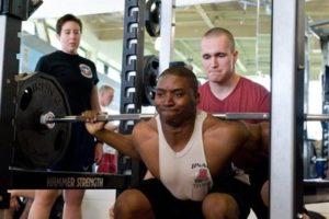 訓練腿部肌肉的動作