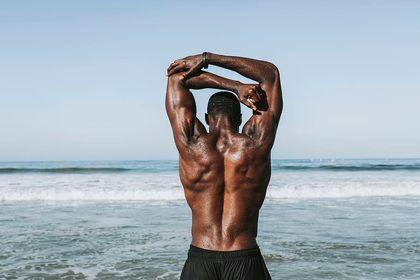 訓練背肌前需要做的暖身
