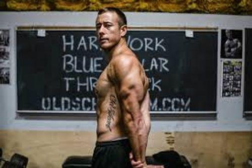 手臂三頭肌巨人組訓練