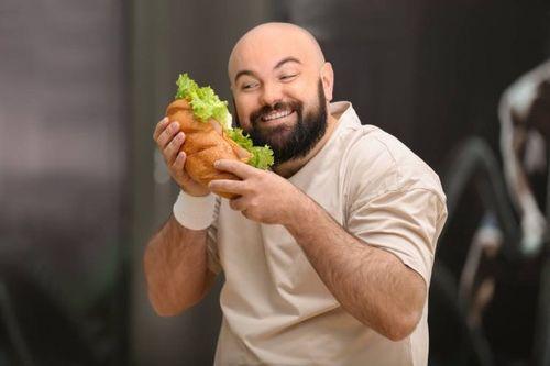 在健身房進食