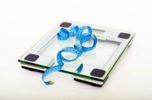 接觸重訓後體重不降反增,自己是不是變更胖了